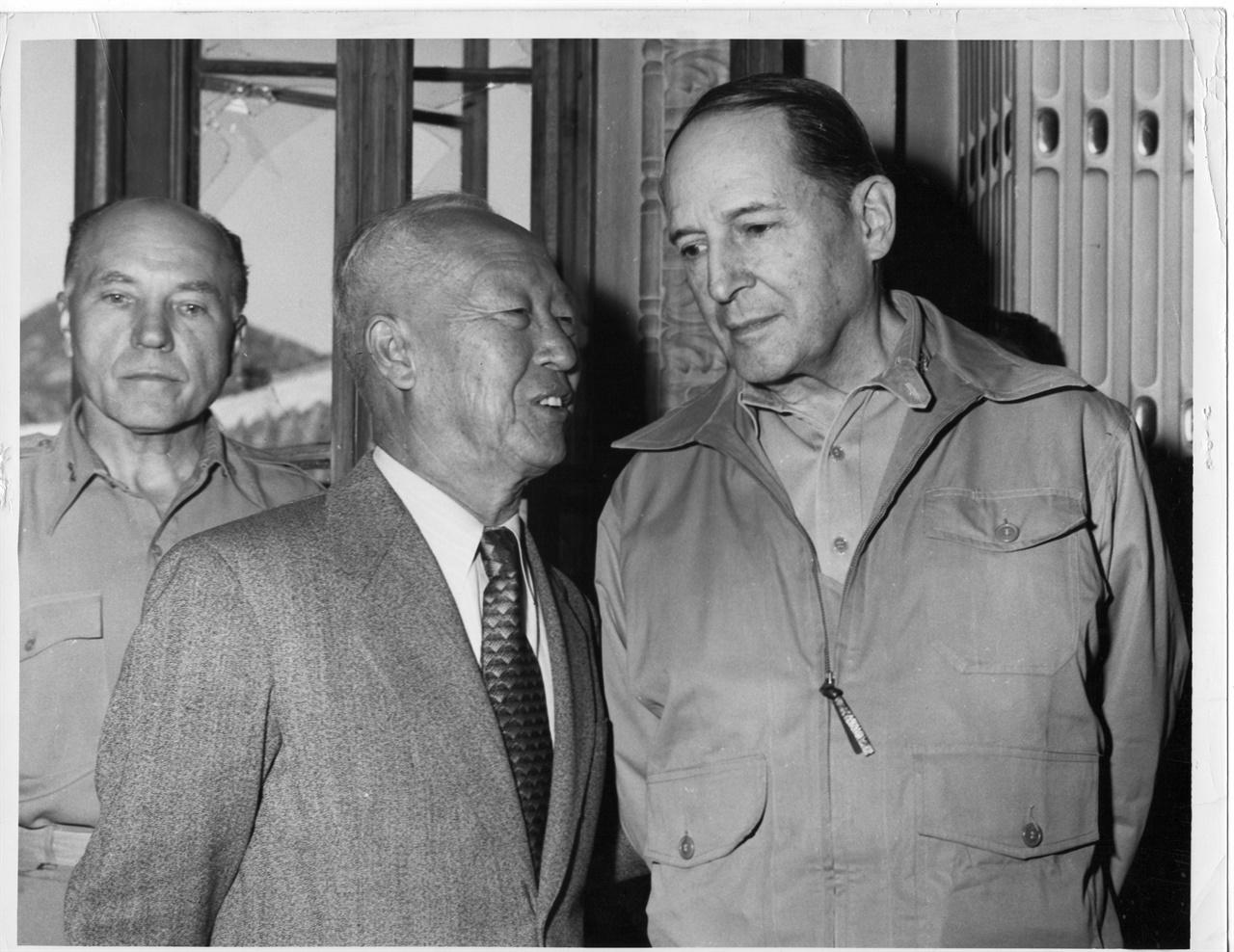 이승만과 맥아더(1950. 9.).