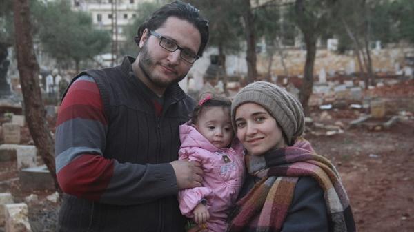 영화 <사마에게> 스틸컷. 와드 알-카팁의 가족 함자, 그리고 알레포에서 태어난 사마