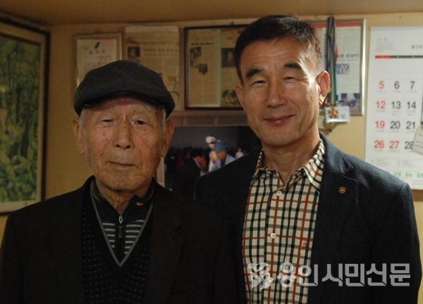 백암농악을 이어오고 있는 차용성(왼쪽)선생과 백암농악보존회 차진복 회장