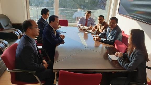 네팔 대사관을 방문한 김지철 충남교육감