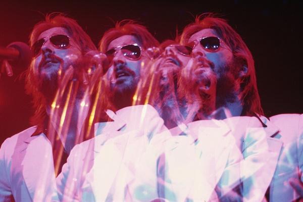 영화 <에릭 클랩튼: 기타의 신>의 한 장면.