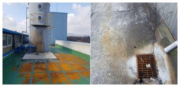 배출구가 있는 건물 옥상 현장. 산으로 인해 바닥의 페인트칠이 녹아내렸다. 넘쳐 흐른 산은 배수구를 통해 들어갔다. ⓒ금속노조 일진다이아몬드지회 제공