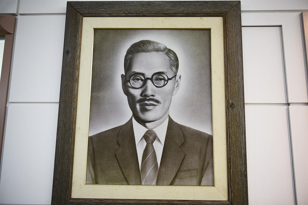 안희제 사진 부산 백산기념관 전시실에 걸린 안희제 생전의 모습