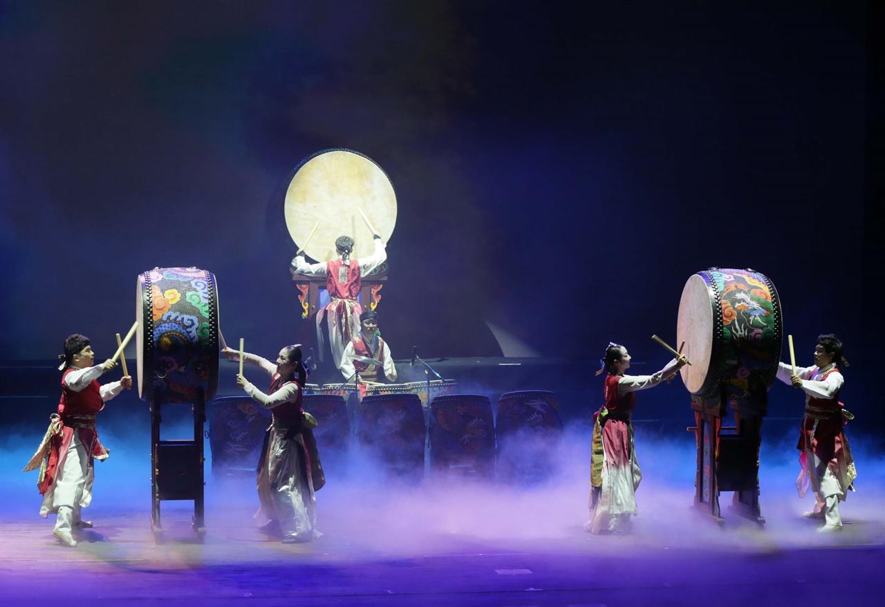 전남도립국악단의 남도풍류 공연. 국악은 명절과 잘 어울리는 공연 가운데 하나다.
