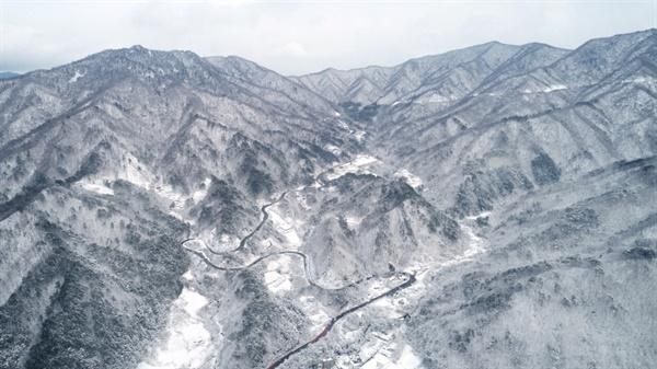 설악산 폭설 설악산에 밤새 많은 눈이 내렸다