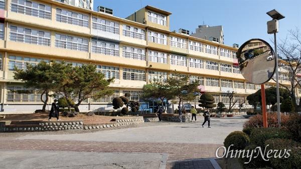 서울 구로구 소재 동구로초등학교