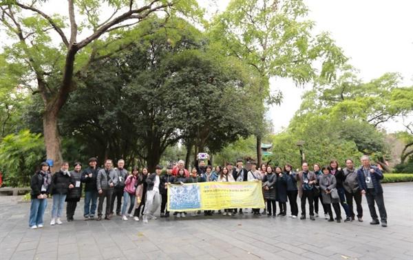 한국광복진선청년공작대원들이 섰던 자리 위에 다시 선 청년백범 14기 답사단