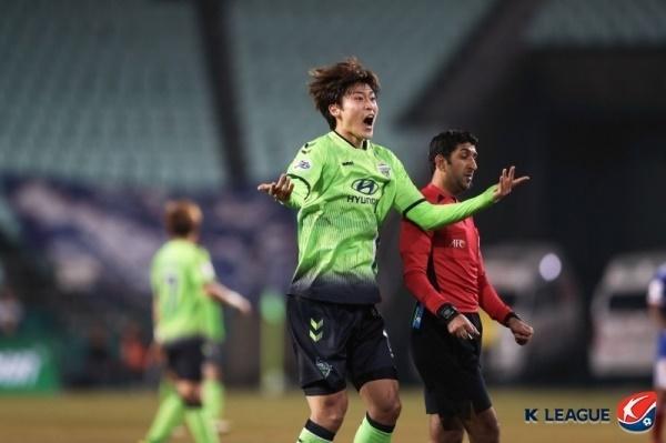 요코하마전에서 본인의 ACL 데뷔골을 터뜨렸던 조규성의 모습.