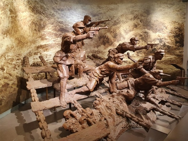 상강전투의 모습을 형상화한 전시물