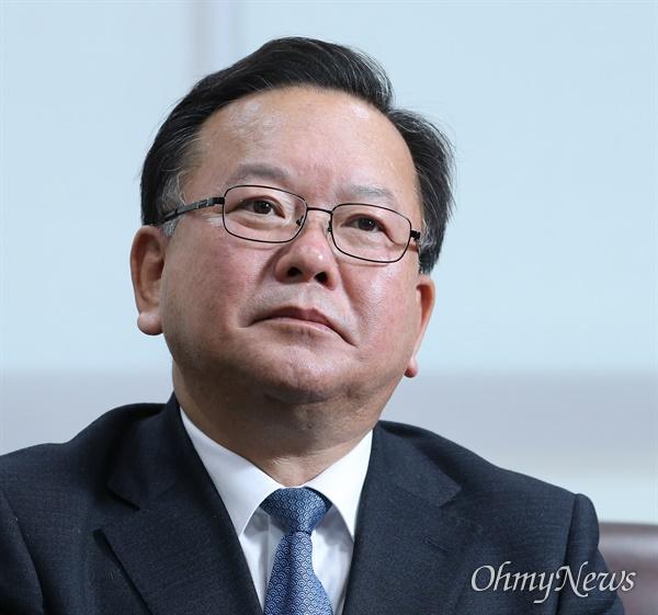 김부겸 더불어민주당 공동선대위원장이 20일 오후 서울 여의도 국회 의원회관에서 <오마이뉴스>와 창간20주년 기념 인터뷰를 하고 있다.
