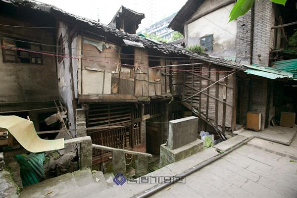 충칭의 세 번째 대한민국 임시정부 청사 '오사아향' 청사 터. 현재는 모두 철거됐다.