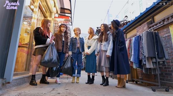 그룹 로켓펀치의 자쳬 웹예능 '펀치타임 시즌2'의 한 장면