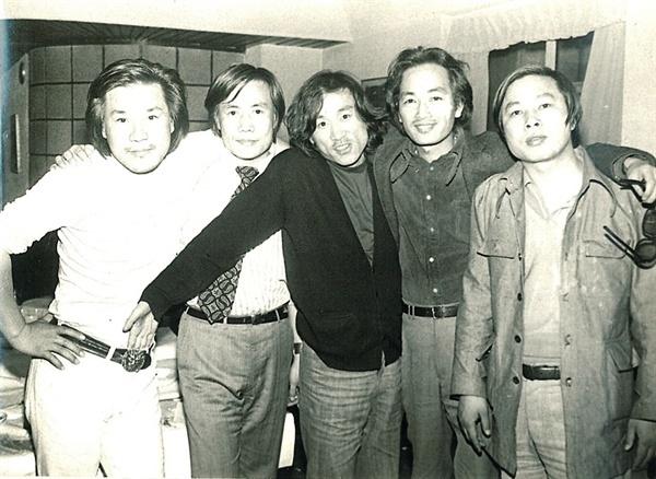 1975년 '영상시대' 회원들. 왼쪽부터 이장호 감독, 홍의봉 감독, 김호선 감독, 하길종 감독, 변인식 평론가