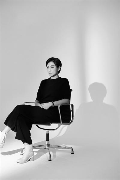 영화 <찬실이는 복도 많지>의 김초희 감독.