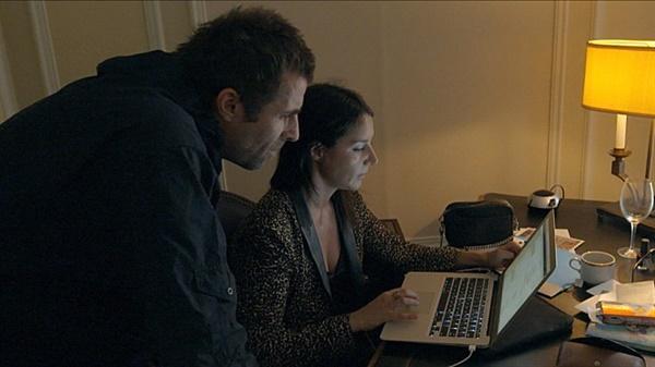 리암 갤러거와 그의 애인 데비.