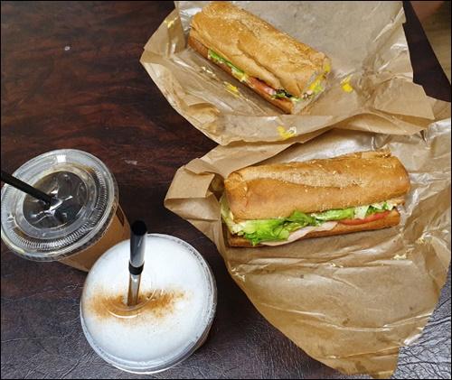예전에 직접 가서 먹었던 메뉴들도, 현재는 집에서 시켜먹는 경우가 많아졌다.