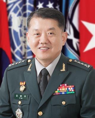 더불어민주당 비례대표 2번을 받은 김병주 전 육군대장