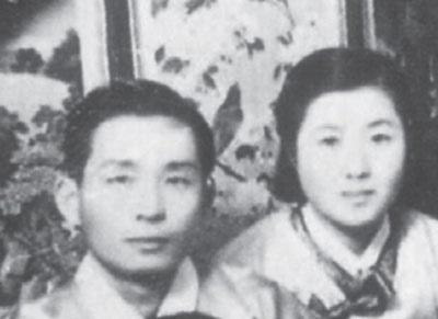 박정희와 장녀 박재옥 씨(오른쪽)