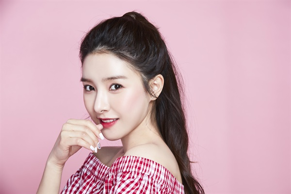 영화 <사랑하고 있습니까>에 출연한 배우 김소은.