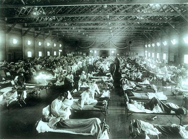 미국 캔자스 군사병원에서 스페인 독감에 걸려 치료 받고 있는 환자들