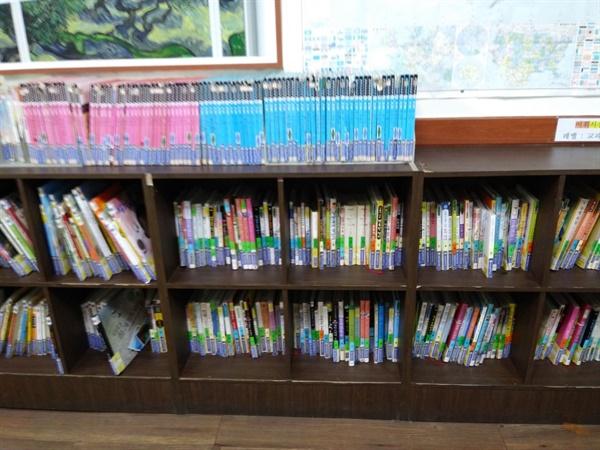 학원생들이 읽기를 기다리는 도서들