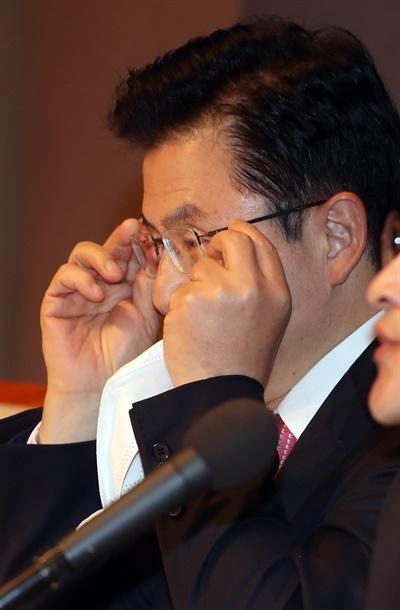 관훈토론회에서 발언하는 황교안 대표 미래통합당 황교안 대표가 25일 오전 서울 한국프레스센터에서 열린 관훈토론회에서 발언하고 있다.