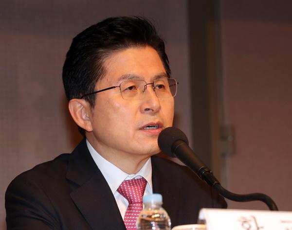 발언하는 황교안 대표 미래통합당 황교안 대표가 25일 오전 서울 한국프레스센터에서 열린 관훈토론회에서 발언하고 있다.