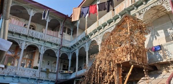 가가호호 테라스식으로 연결된 조지아 올드타운 가옥