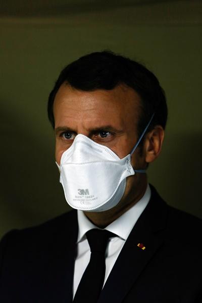 뮐루즈 야전병원에 방문한 마크롱 프랑스 대통령