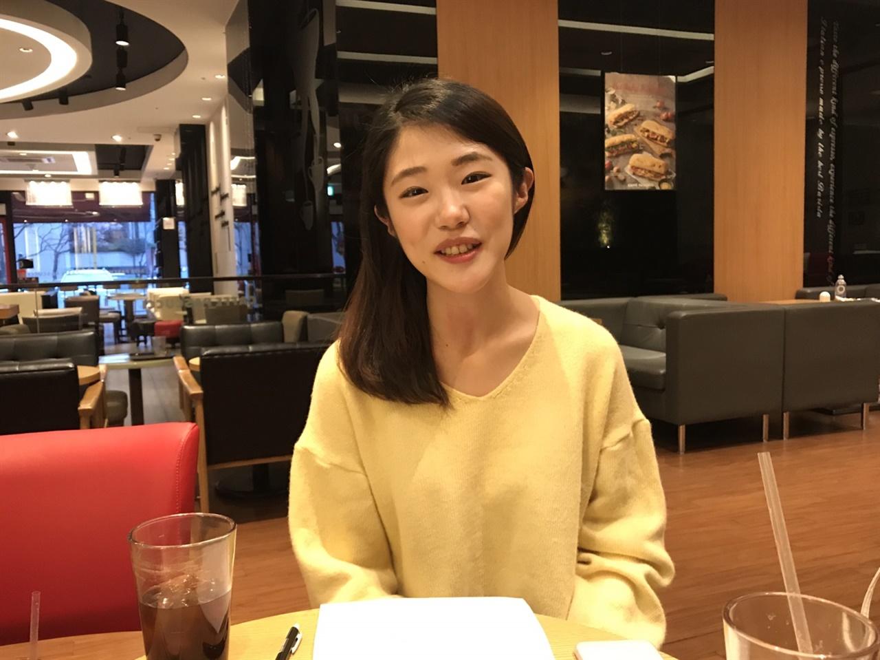 지난달 31일 서울 여의도 한 커피숍에서 만난 < BJ깨시딩 >의 전민영씨