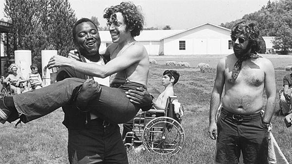 <크립 캠프: 장애는 없다> 관련 이미지