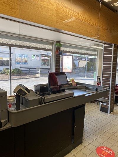 스웨덴 전국에 있는 슈퍼 계산대 앞에는 칸막이가 설치 되었다.