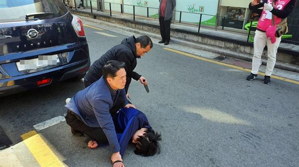 오세훈 미래통합당 후보(서울 광진을)가 차량 유세 중 한 괴한의 공격을 받았다. 다행히 현장에 있던 경찰에 의해 제압되며 인명 피해는 없었다. (오세훈 후보 측 사진 제공)