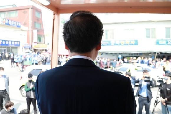 이낙연 논산화지중앙시장 연설 김종민 후보 캠프 제공