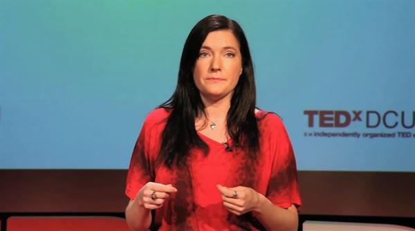 2013년 11월 TED에 출연해 '입법적 변화를 통한 삶과 사회의 변화'라는 주제로 강연한 레이첼 모랜