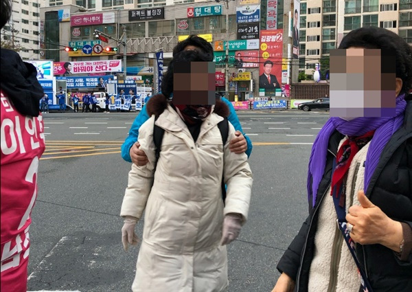 부산 남구을의 미래통합당 이언주 후보 측이 지난 12일 후보의 배우자가 민주당 박재호 후보 측 지지자로부터 폭행을 당해 경찰에 신고했다고 13일 밝혔다.