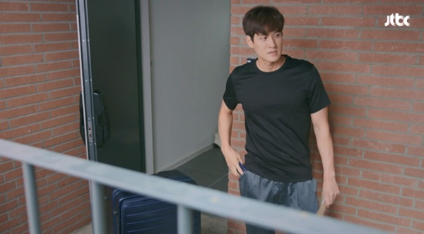JTBC 금토드라마 <부부의 세계>의 한 장면