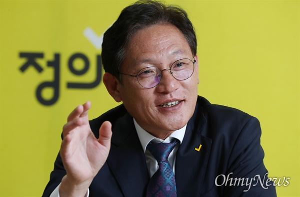 정의당 비례대표 배진교 당선자가 21일 오후 서울 여의도 당사에서 <오마이뉴스>를 만나 향후 의정활동 계획을 밝히고 있다.