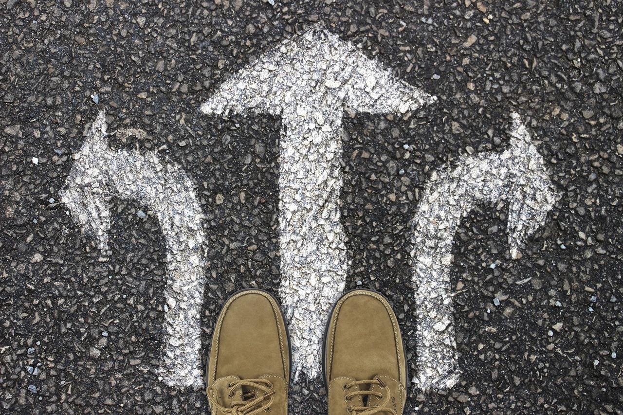어떤 일을 선택해야 할까? 수동적이고 성장 가능성이 없는 일을 하고 있다면 고민해 봐야 한다.