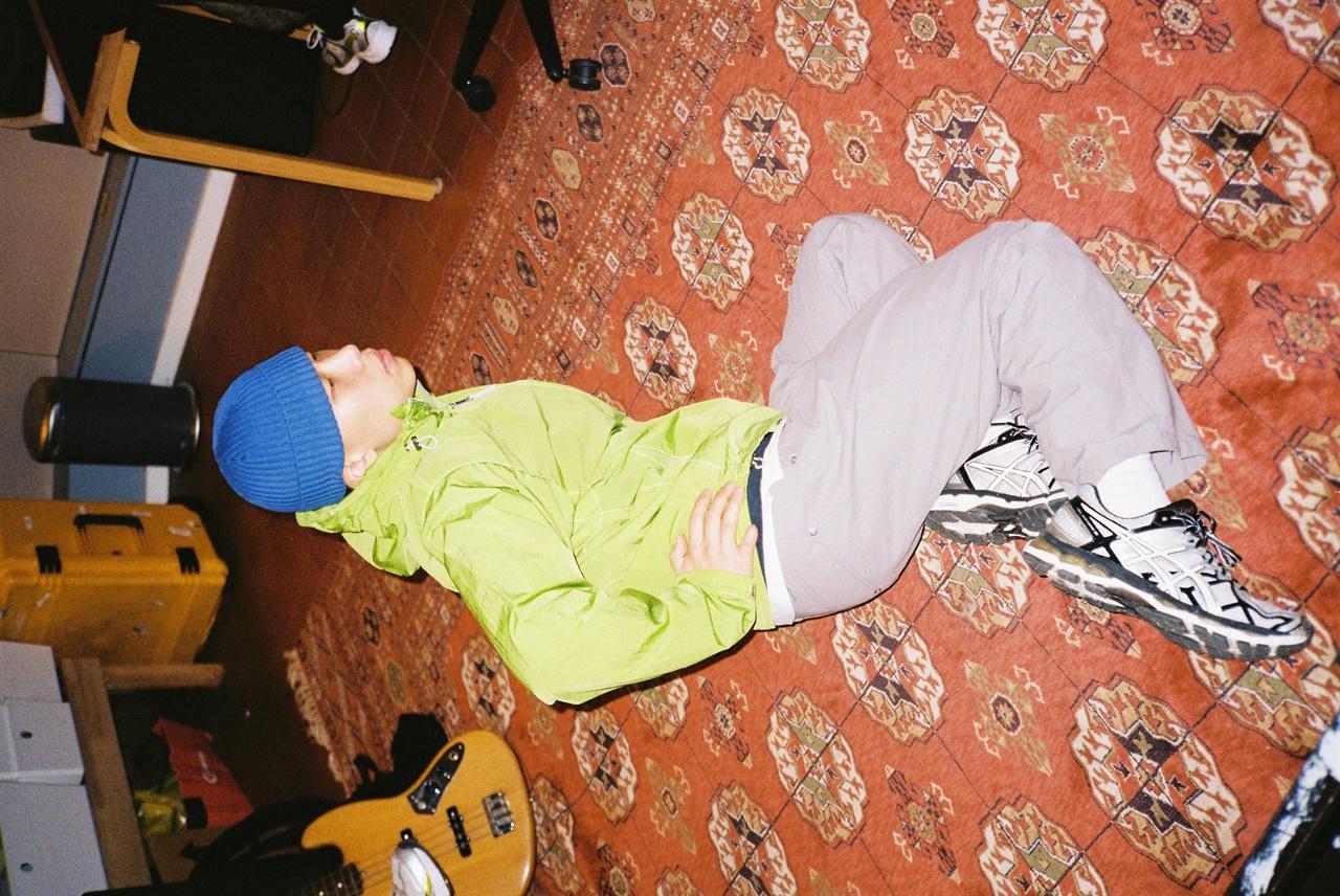 죠지의 신곡 'fallin'이 5월 4일 18시에 발매되었다.