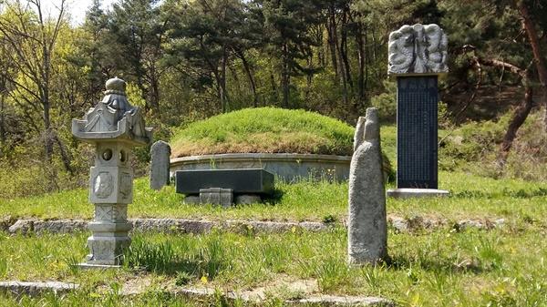 조선 초기 광주의 대표 지식인, 필문 이선제는 나고 자란 광주광역시 남구 원산동 만산마을 뒷산에 조상들과 함께 잠들어 있다