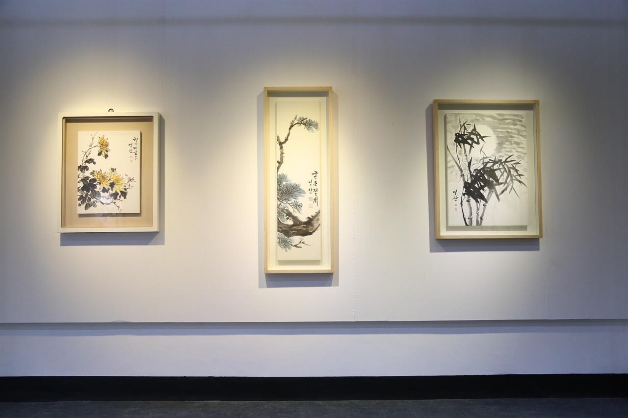 영산 조문성 화가의 첫 한국화 개인전이 오는 31일까지 채운동에 있는 갤러리 늘꿈에서 개최된다.