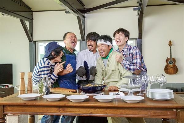 영화 <해피 해피 레스토랑> 관련 사진.