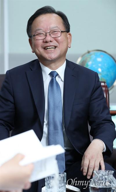4·15 총선에서 낙선한 김부겸 더불어민주당 의원(대구 수성갑)이 8일 오후 서울 여의도 국회에서 <오마이뉴스>와 인터뷰하고 있다.