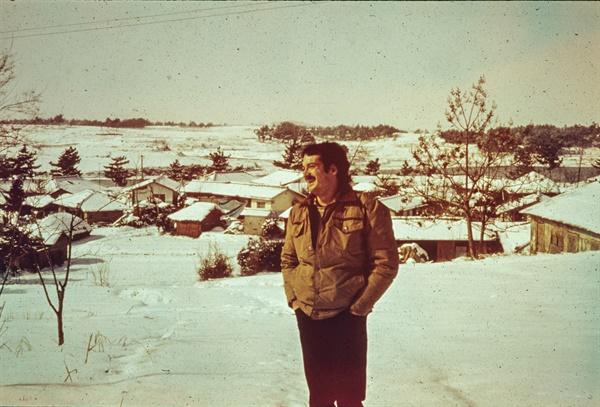 나주에서 평화봉사단으로 활동했던 폴 코트라이트는 1980년 5.18민주화운동 당시 광주에서의 참상을 목격했다. 사진은 나주에서 근무하던 폴 코트라이트의 모습.