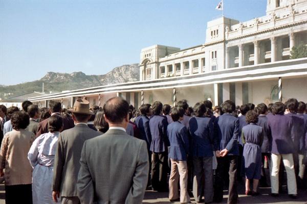 평화봉사단 자격으로 1979년~1981년 한국에 머물렀던 빌 에이머스가 1979년 11월 3일 박정희 전 대통령 국장의 모습을 담은 사진. 뒤편으로 일제강점기 당시 조선총독부였던 옛 중앙청 건물이 보인다.