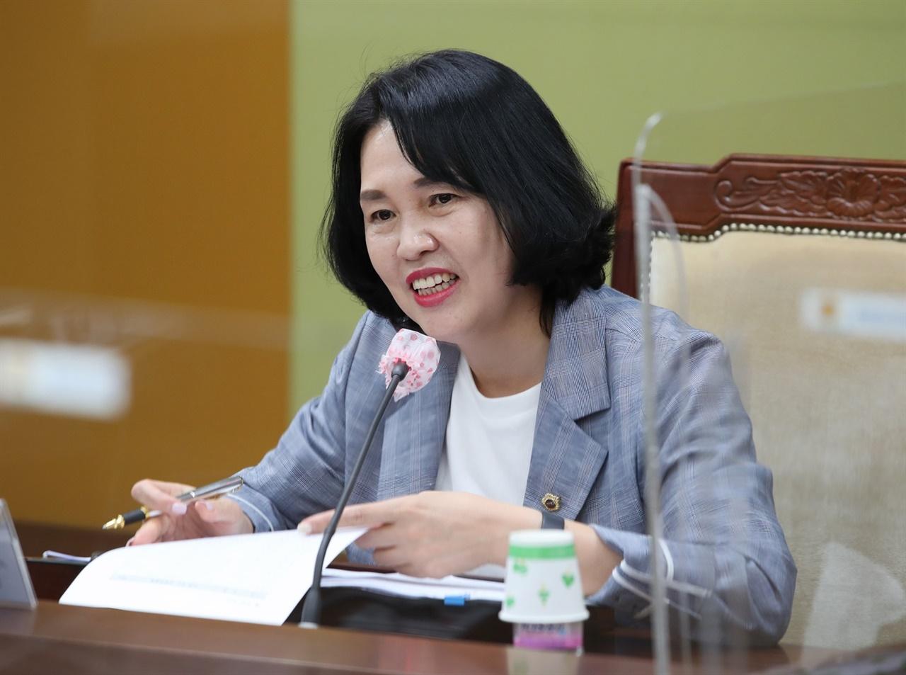 '충청남도교육청 조례 근로 용어 일괄정비 조례안'이 13일 통과됐다.