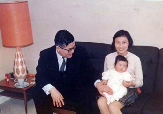 1968년 귀국 전 해에 캠브리지대에서 가족들과 함께 있는 박노수 교수