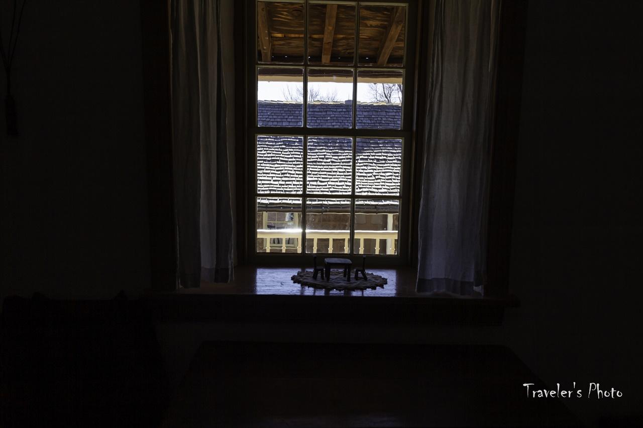 윈저캐슬 내부 윈저캐슬 창밖으로 보이는 건물 모습