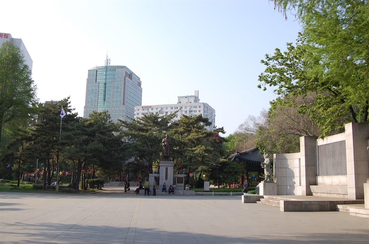 사적 제354호 '탑골공원' 전경. (2019년 5월 사진)